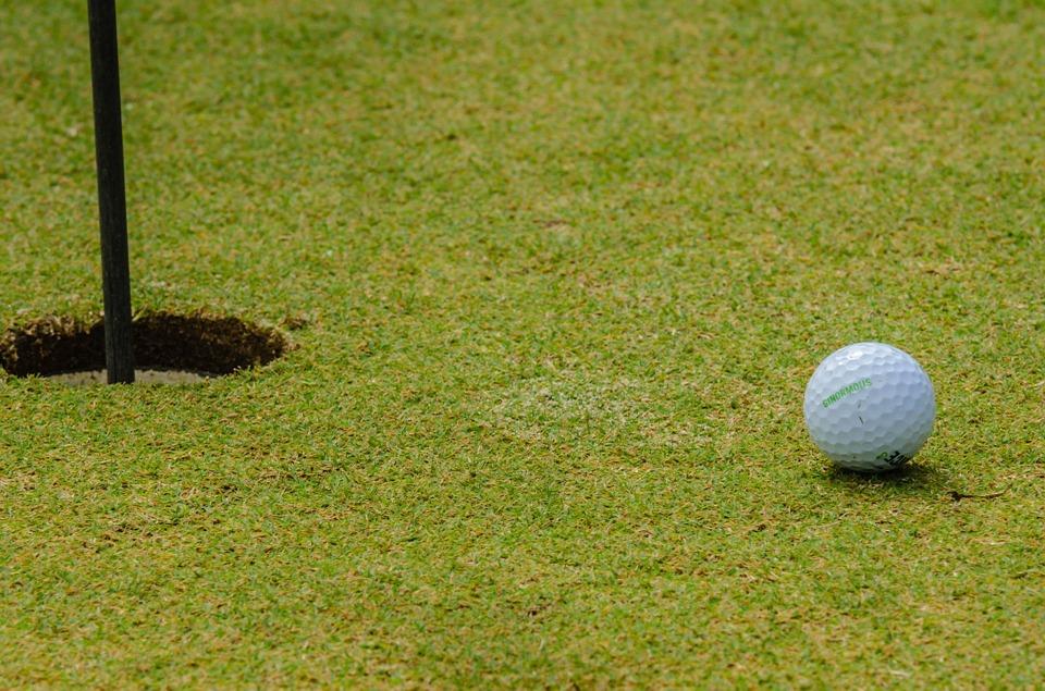 Tester le golf à l'avance : coûts pour les parcours d'essai